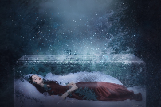 43 artystyczna-sesja-zdjeciowa-poza-rzeczywistoscia-Ezo-Oneir-surreal-photography