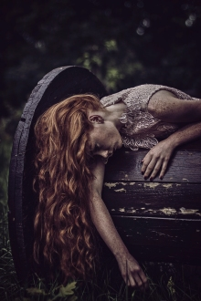 Ezo Oneir surreal photography
