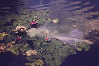 65 artystyczna-sesja-zdjeciowa-poza-rzeczywistoscia-Ezo-Oneir-surreal-photography