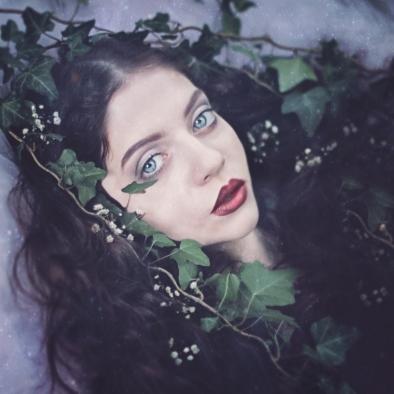 67 artystyczna-sesja-zdjeciowa-poza-rzeczywistoscia-Ezo-Oneir-surreal-photography